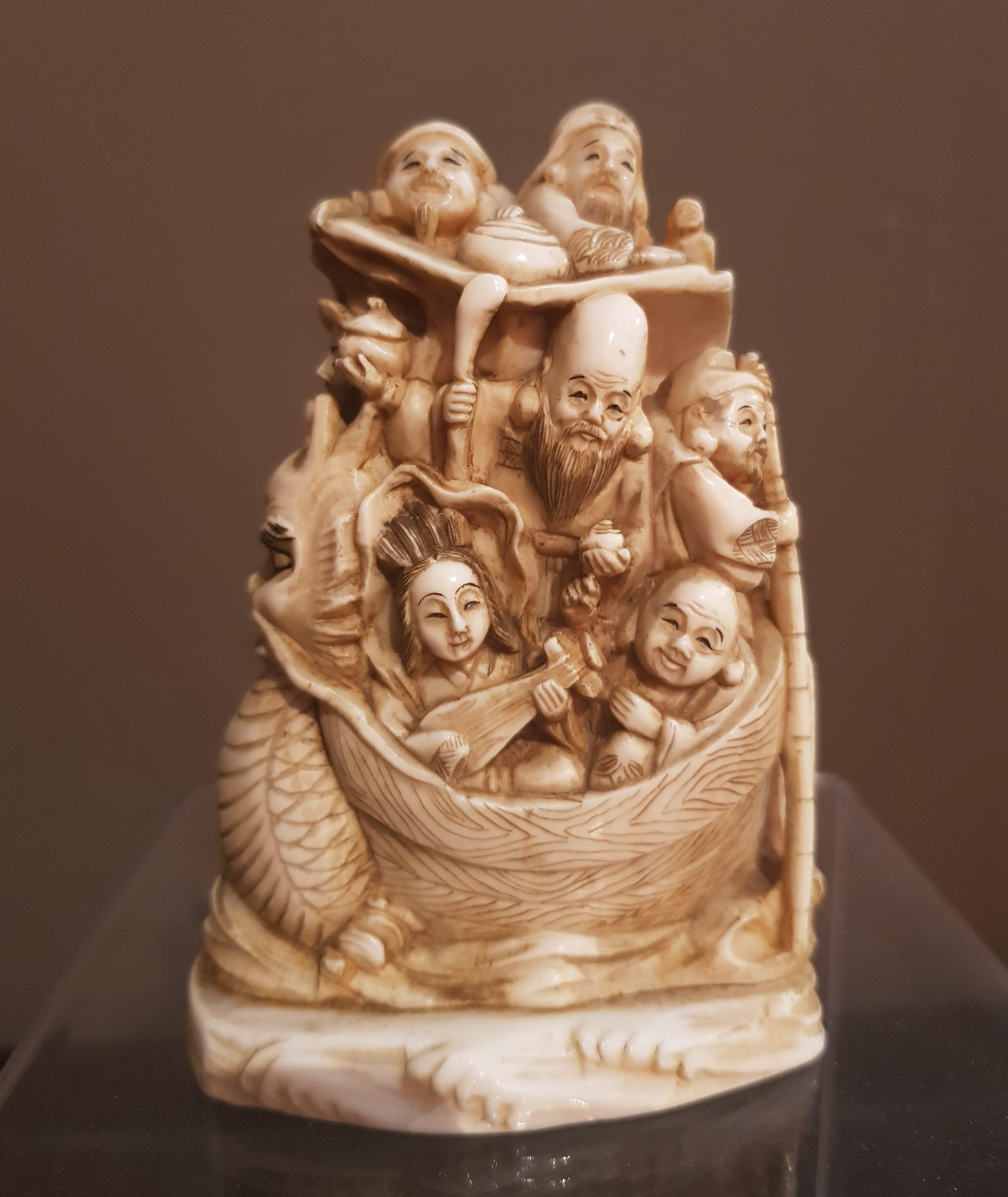 Okimono en Ivoire - Immortels sur la barque - Meiji Fin 19 ème. Image