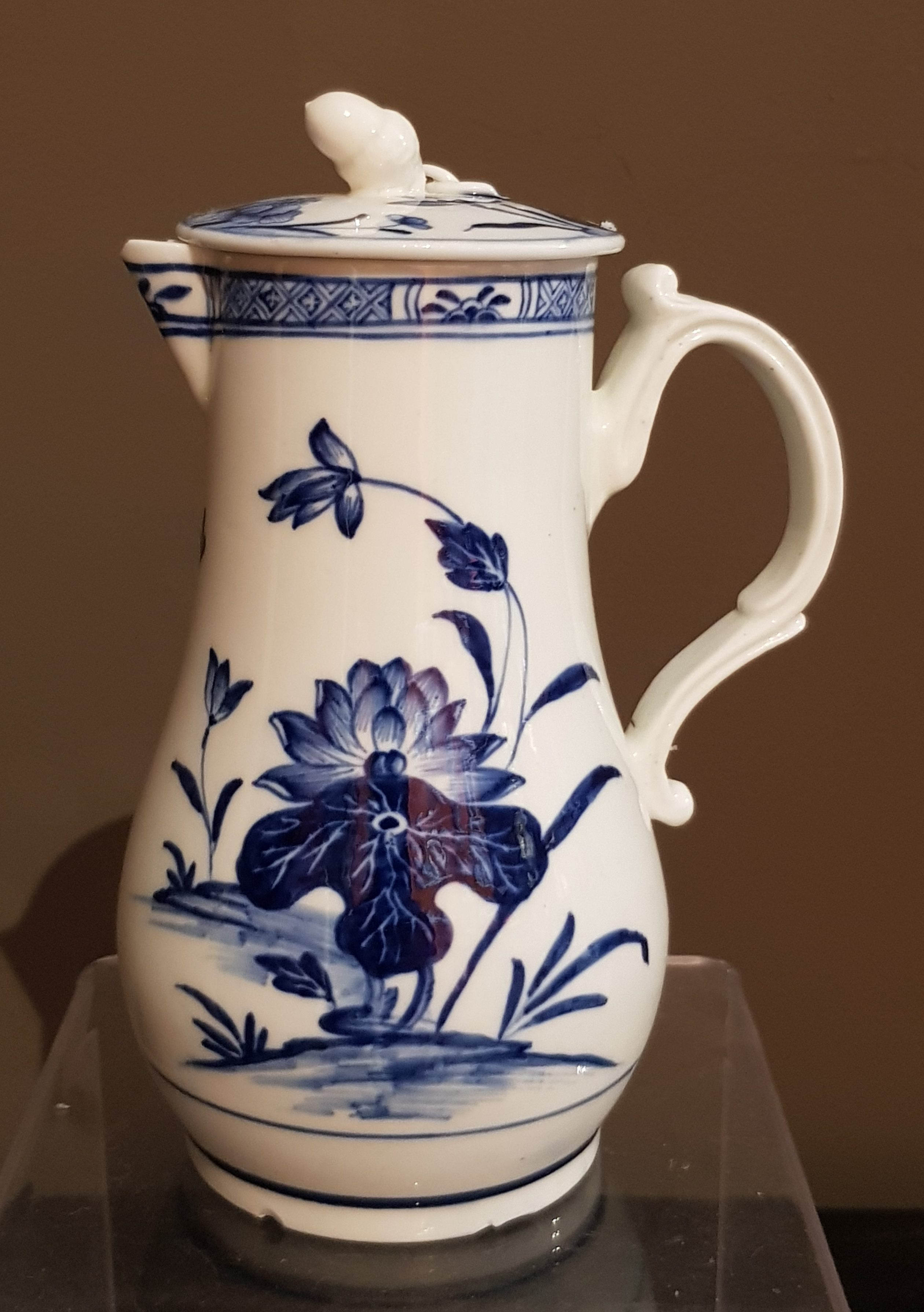 Chocolatière Copie de Chine en Porcelaine de Tournai - VENDU Image