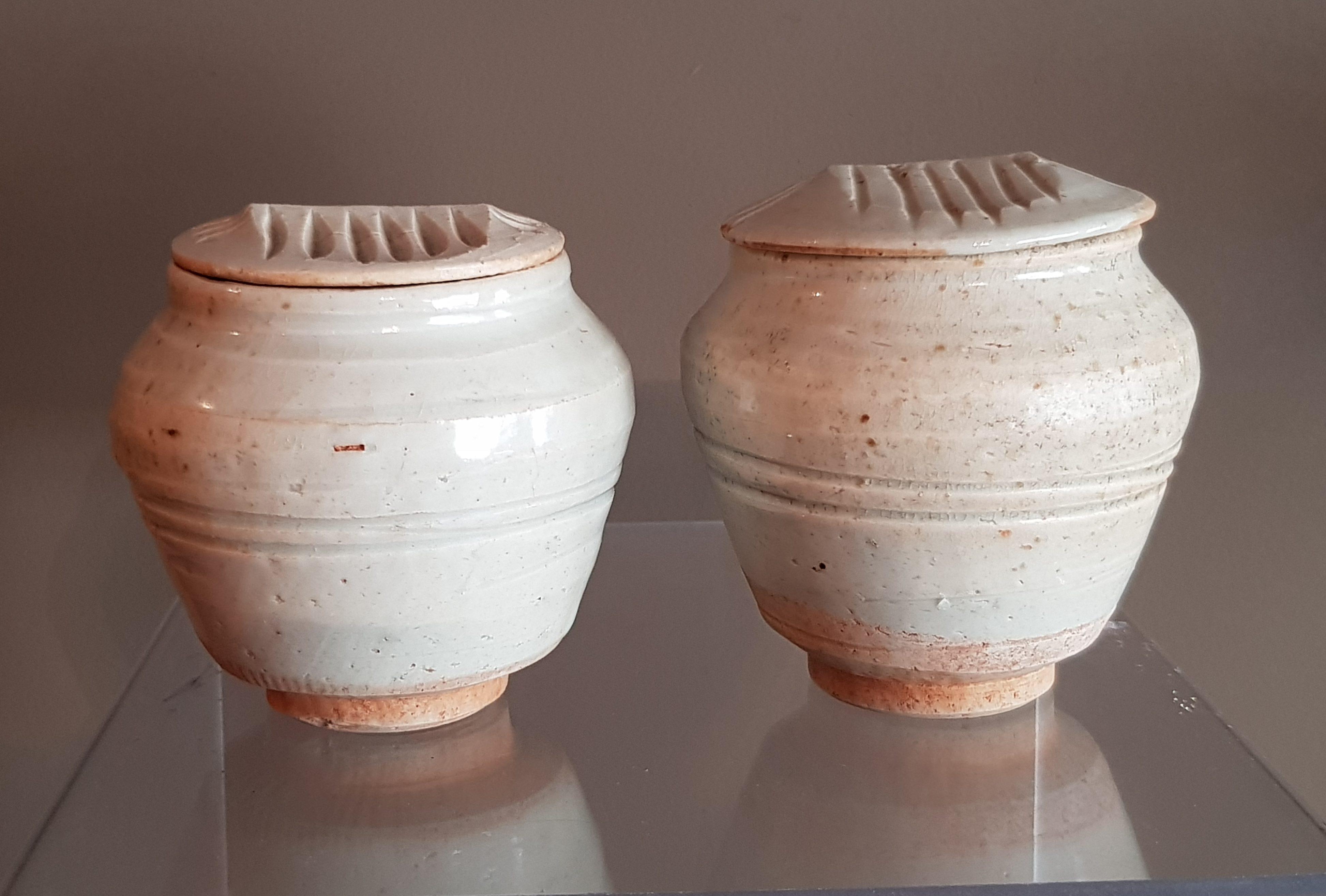 Paire de petites urnes Céladon - Dynastie Song - VENDU Image