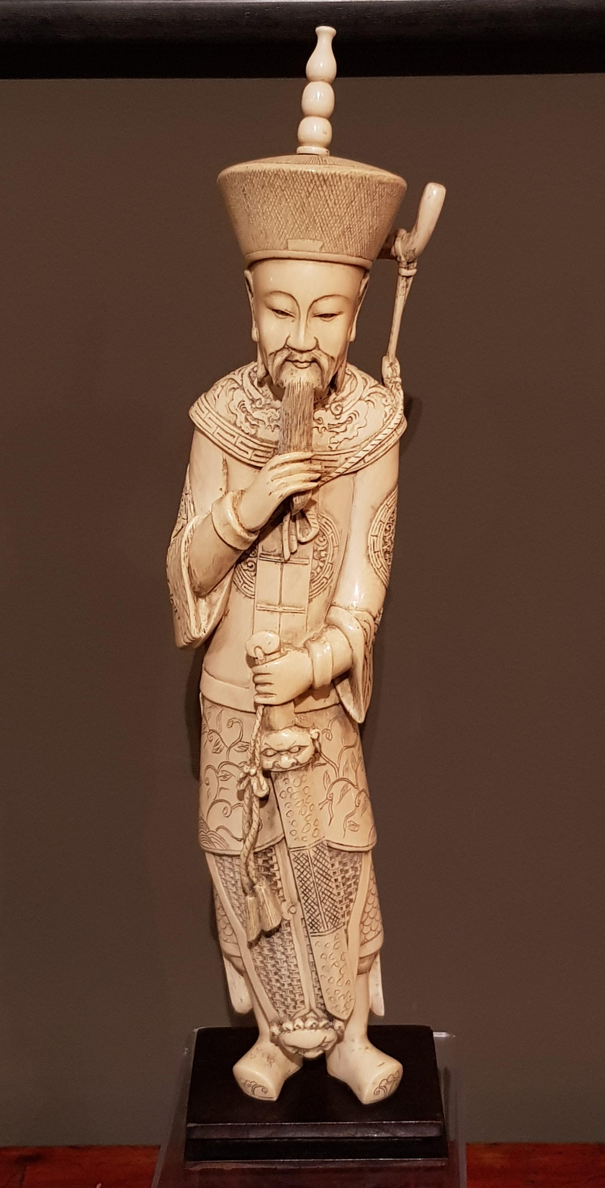 Okimono - Grand Empereur guerrier en Ivoire - Chine - 19 ème. Image