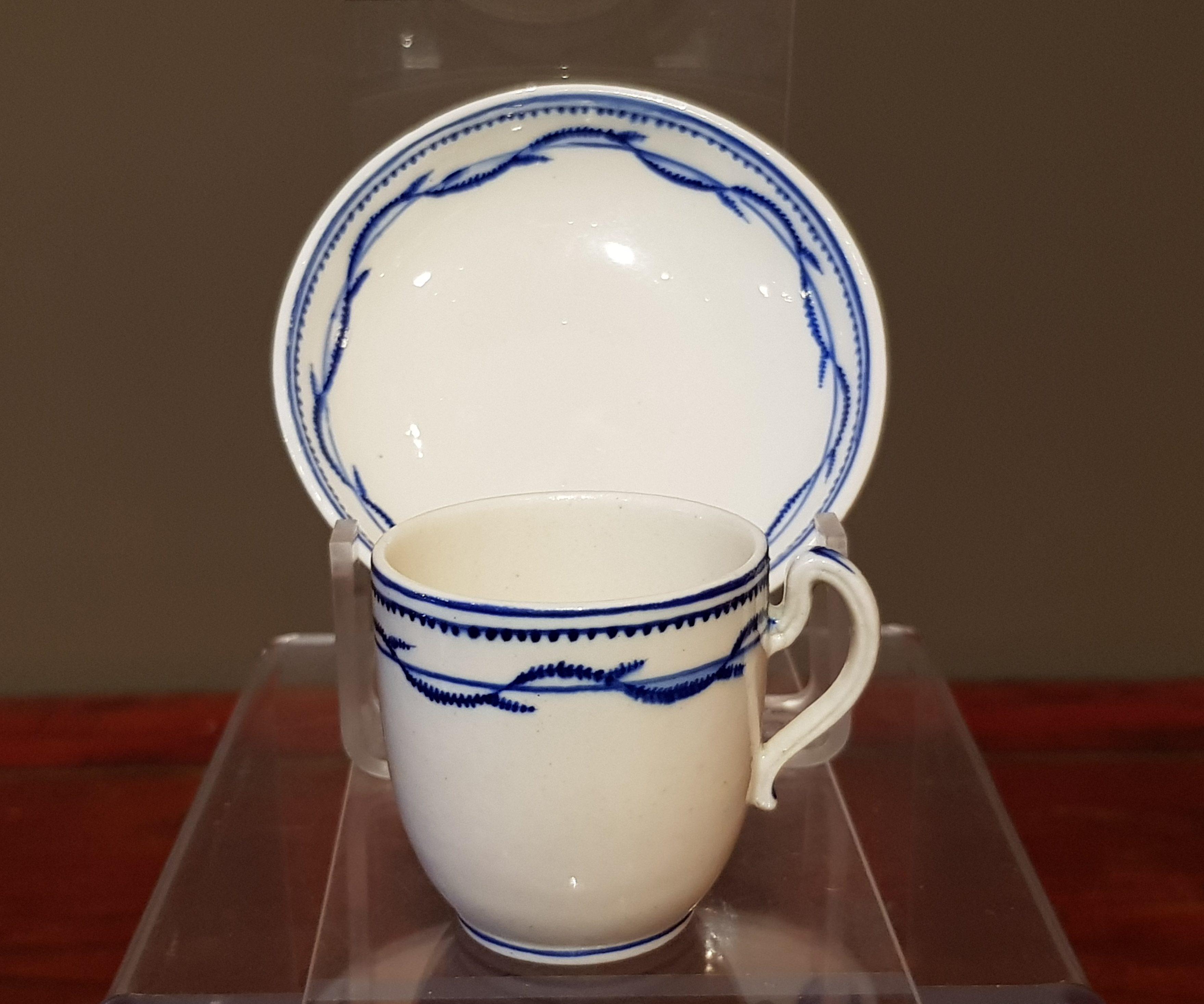 Tasse et soucoupe en Porcelaine de Tournai - Service d